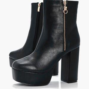 Platform Zip detail ankle boot